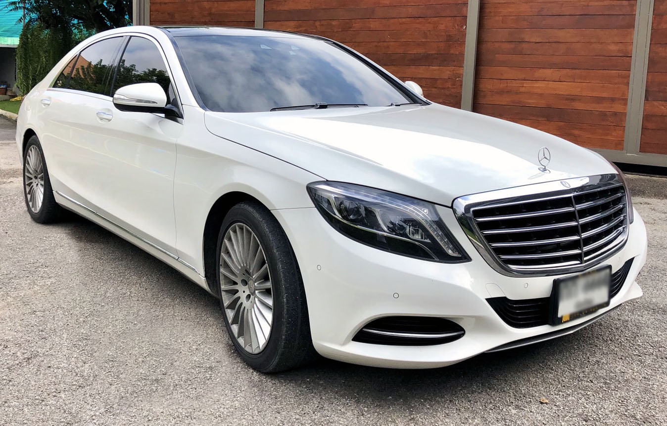 luxurious benz s class 350 viewing from side and front