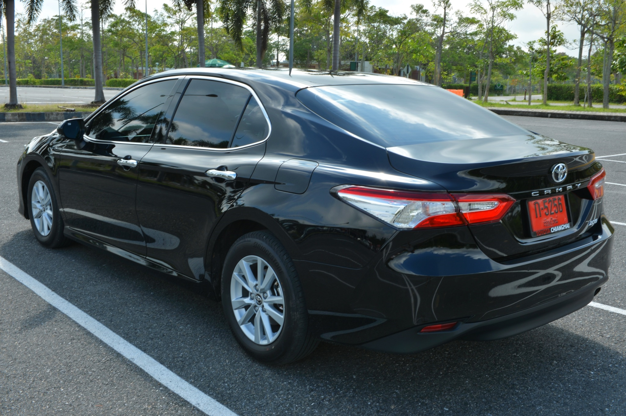 toyota camry exterior view black 2019 backside view