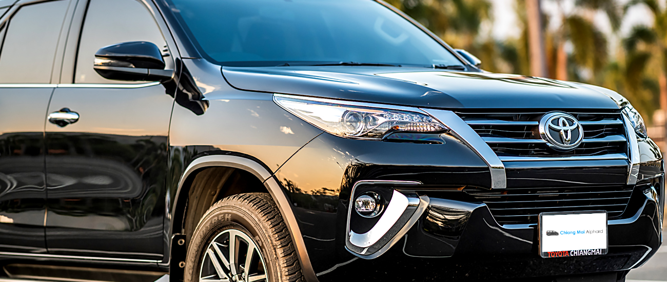 All new Toyota fortuner 2019 front and side view car for rental in low price
