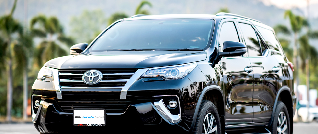 All new Toyota fortuner 2019 front and side view car for rental